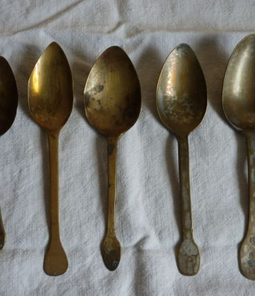 5 cuillères anciennes en laiton vintage fin 18ème
