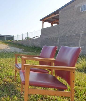 2 fauteuils  rouge 1940 a 60  ossature bois 70xprof53xlarg6