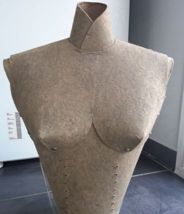 Buste de couture