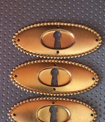 5 entrées de serrure dorées pour commode, meuble ancien