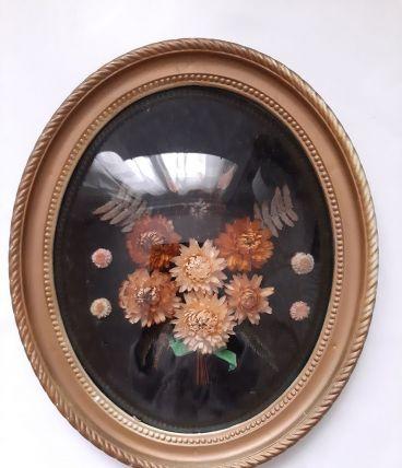 Ancien Médaillon cadre bombé Tableau ovale fleurs séchées