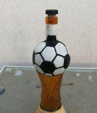Bouteille en verre '' ballon de foot ''