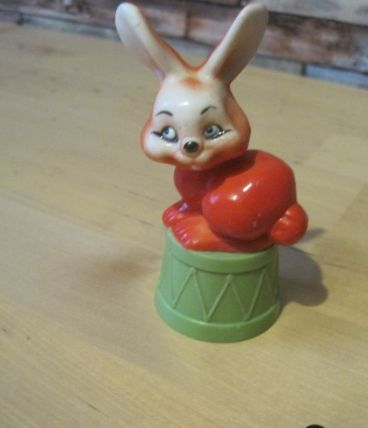 figurine lapin taille ,crayons 1950/1960