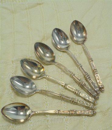 Set de 6 cuillères en métal argenté