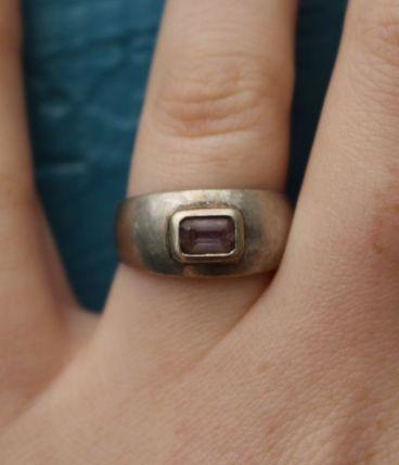 bague argent 925 avec pierre violette T53 année 80