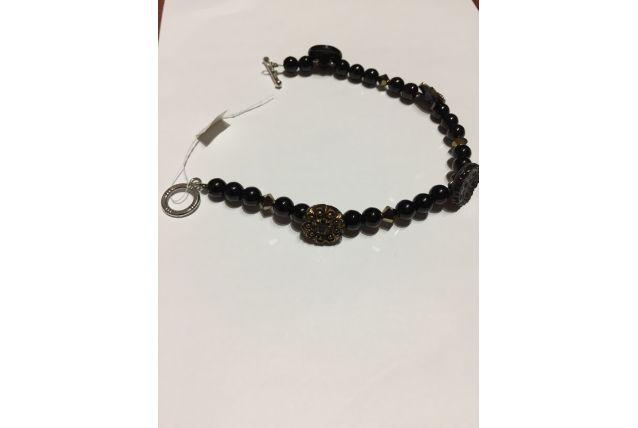 Bracelet avec boutons anciens