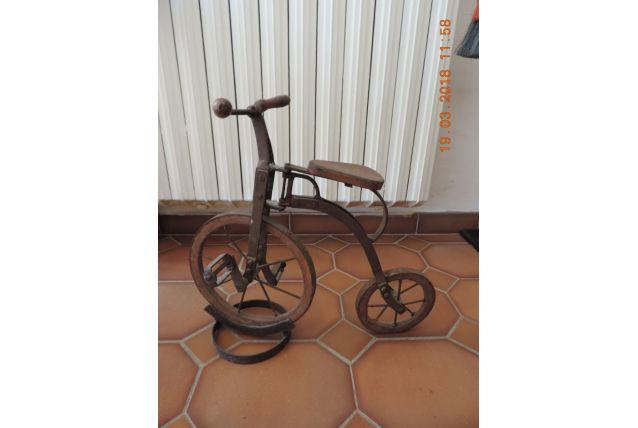 """Joli petit vélo """" antique"""" bois et fer"""