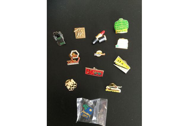 """Lot de 12 pins """" collection"""" divers"""