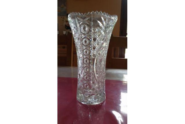 Vase en Cristal gravé et cranté