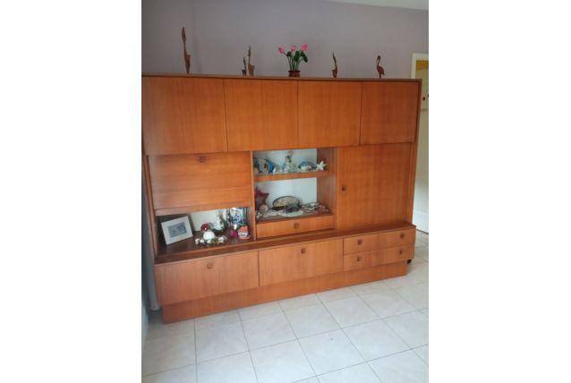Living en teck années 60.  portes et tiroirs