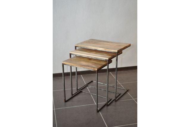 Lot de 3 tables gigognes industriel métal et bois