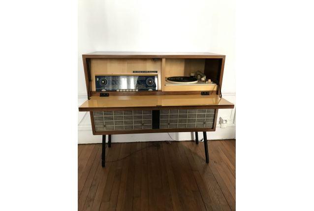 Meuble tourne disque et radio vintage années 50