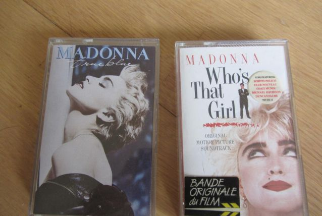 Lot K7 Madonna True Blue / Who's that girl
