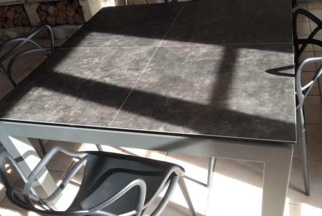 Table carre en céramique 125x125 avec rallonge intégrée