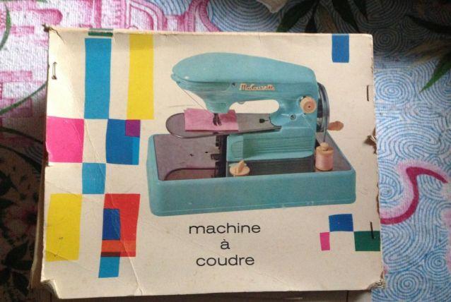 Jouet enfant VINTAGE, machine à coudre SINGER