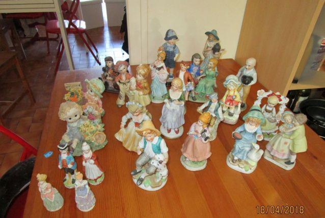 lot de statuettes
