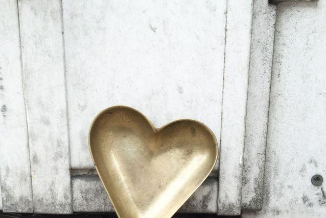 Cendrier cœur en laiton