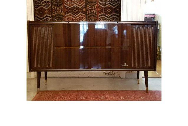 meuble radio tourne disque grundig luckyfind. Black Bedroom Furniture Sets. Home Design Ideas