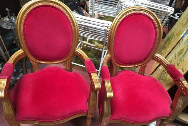 Paire de fauteuil rouge et or