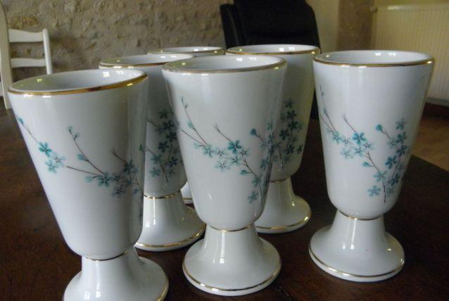Lot de 6 mazagrans en porcelaine