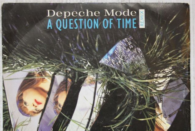 "Vinyl 45t DEPECHE MODE ""A question of time"""