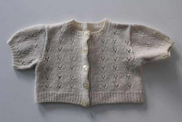 Brassière laine tricotée main taille 1 mois