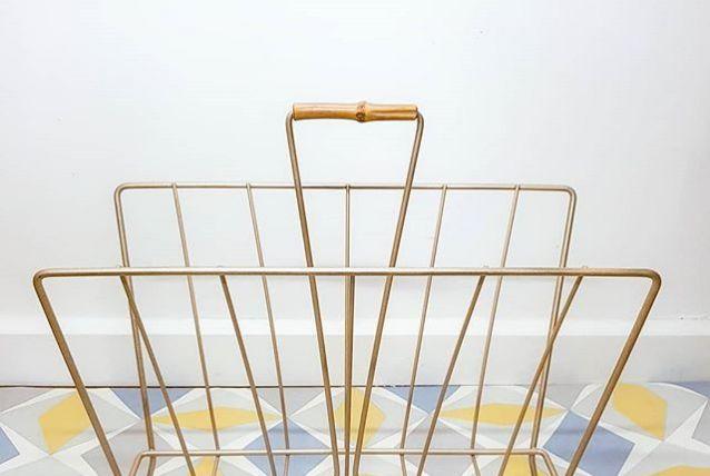 Porte-revue doré vintage