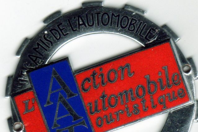 PLAQUE DE CALANDRE EMAILLEE ACTION AUTOMOBILE ET TOURISTIQUE