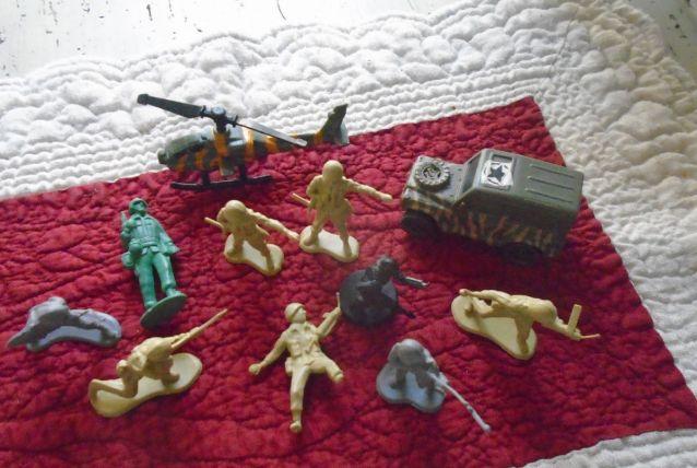 Petits jouets militaire