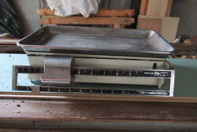 ancienne balance terraillon blanche