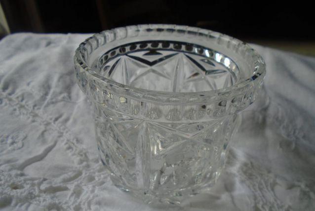Pot/vase en verre taillé