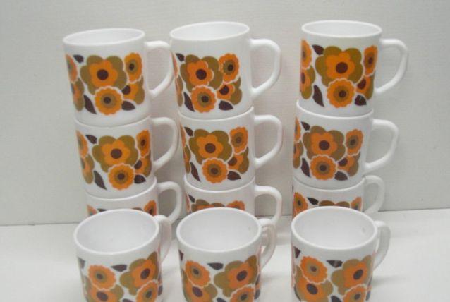 Lot de 12 mugs fleur de lotus