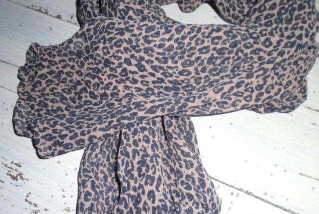Foulard léopard