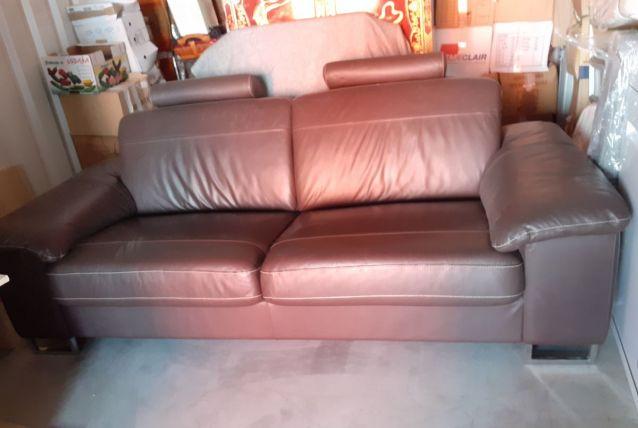 Canapé cuir 3 places, marron surpiqué de blanc, ) très confo