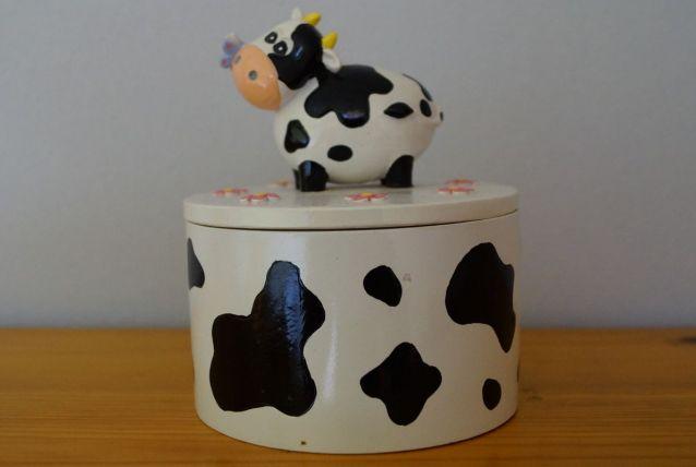 Petite boite ronde décor vache