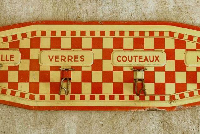 Plaque accroche torchons vintage