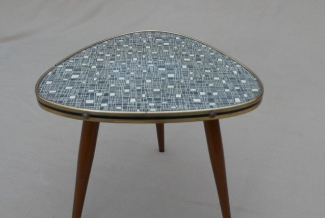 Petite table ou Guéridon Formica